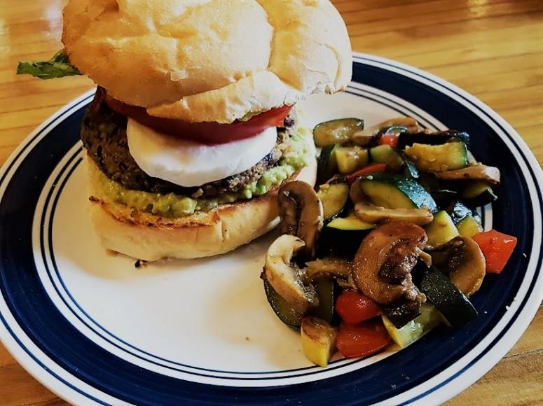 Quinoa Burger 2 (2)