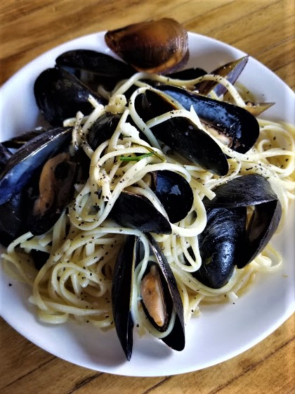mussels in white wine sauce10